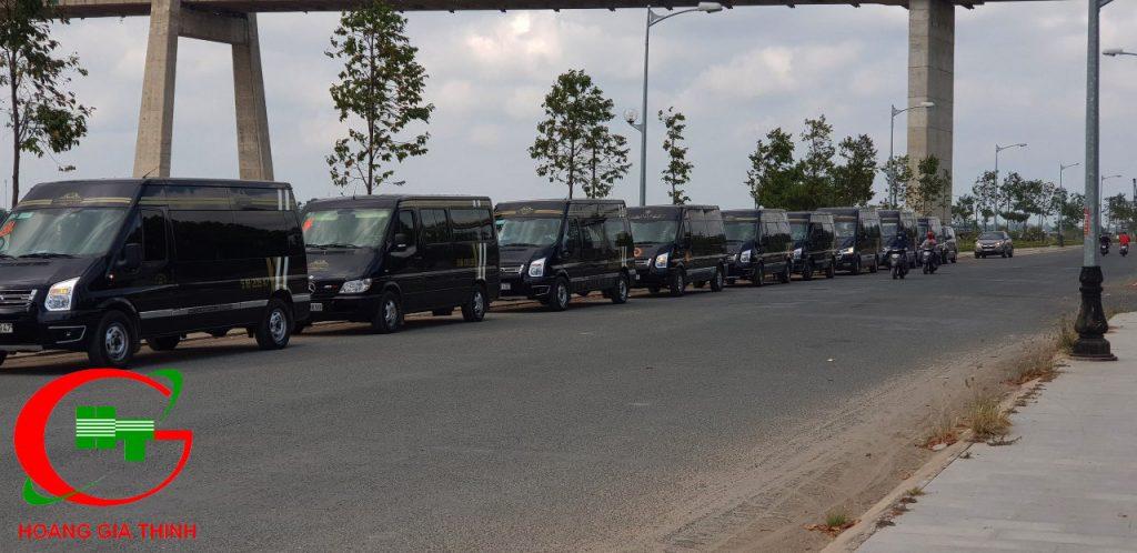 doan xe limousine 9 cho ruoc dau cung gia dinh co oanh dong thap (4)
