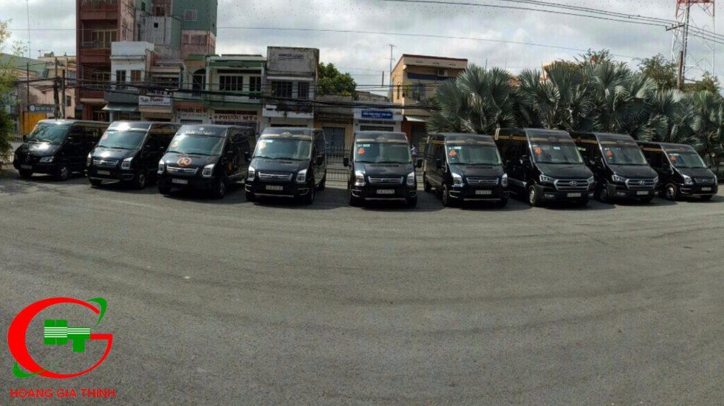 đoàn xe limousine 9 chỗ ruoc dau cung gia dinh co oanh dong thap (5)