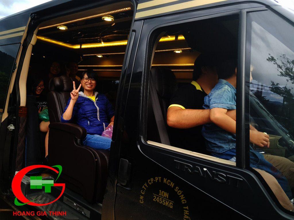 xe limousine 9 chỗ cùng đoàn du lịch đi tây nguyên