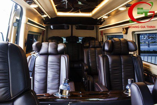 Cho Thuê Xe Limousine Ở Sài Gòn Giá Rẻ - Hoàng Gia Thịnh
