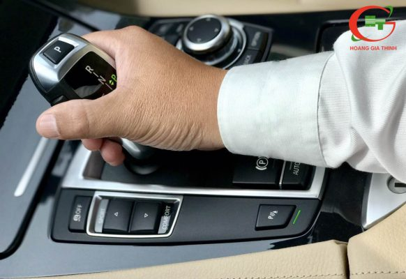 Cho Thuê Xe BMW 520i TPHCM - Giá Rẻ 2019 - Hoàng Gia Thịnh