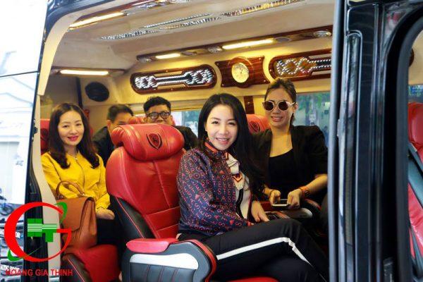 Theo chân chị Linh đi xe Limousine từ TPHCM về Vinh