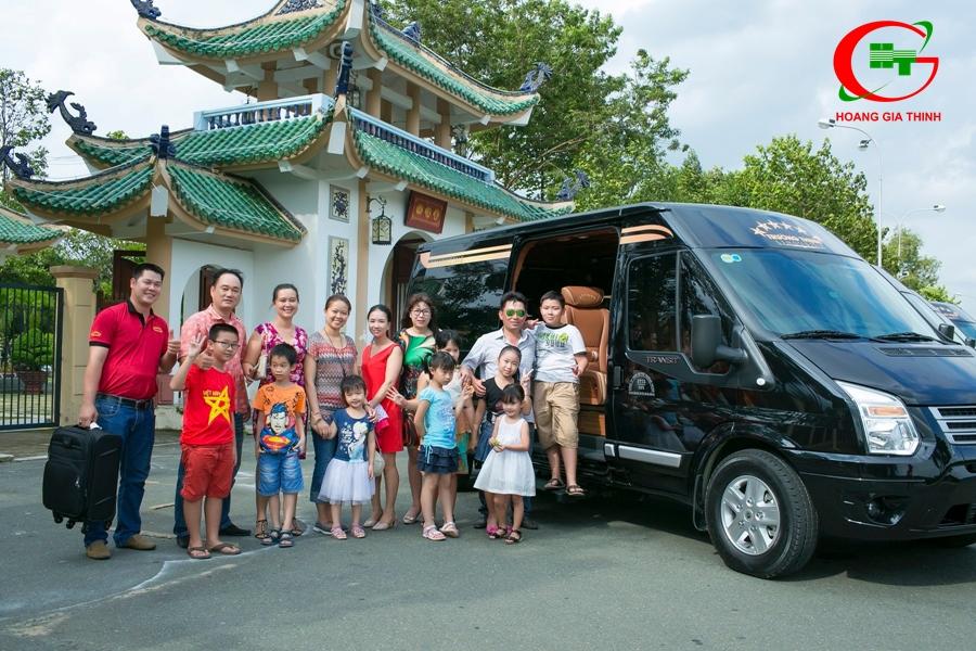 Bạn đang cần thuê xe Limousine đi Châu Đốc từ TPHCM, cùng khám phá ngay cẩm nang thuê xe Limousine du lịch Châu Đốc từ A đến Z chi tiết nhất.