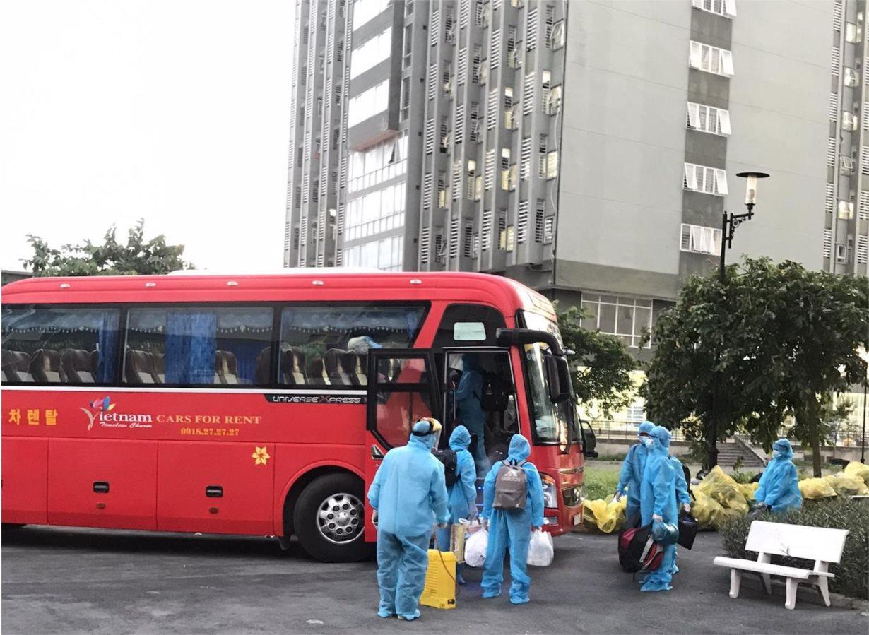 Đặt xe dịch vụ vận chuyển hành khách tại Hồ Chí Mình