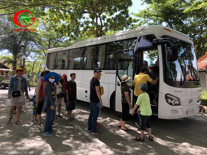 Thuê xe du lịch 39 chỗ tại TPHCM