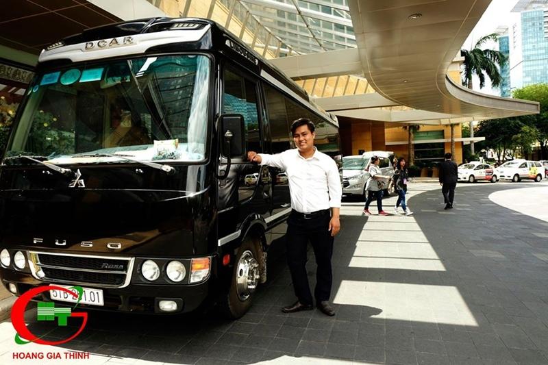 Thuê xe Limousine Hoàng Gia Thịnh