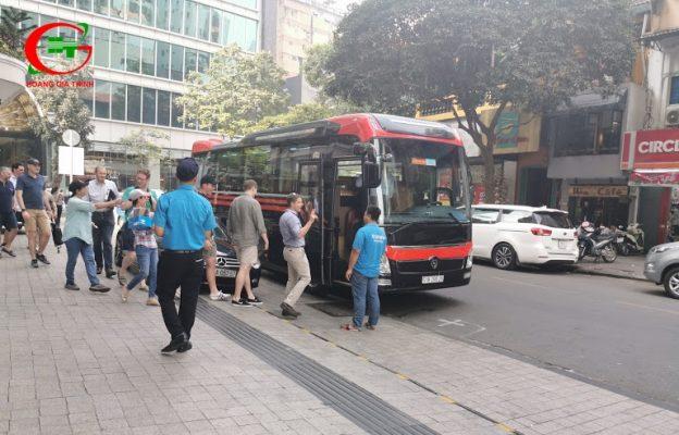 Thuê xe Limousine 19 chỗ đi KCN Nhơn Trạch
