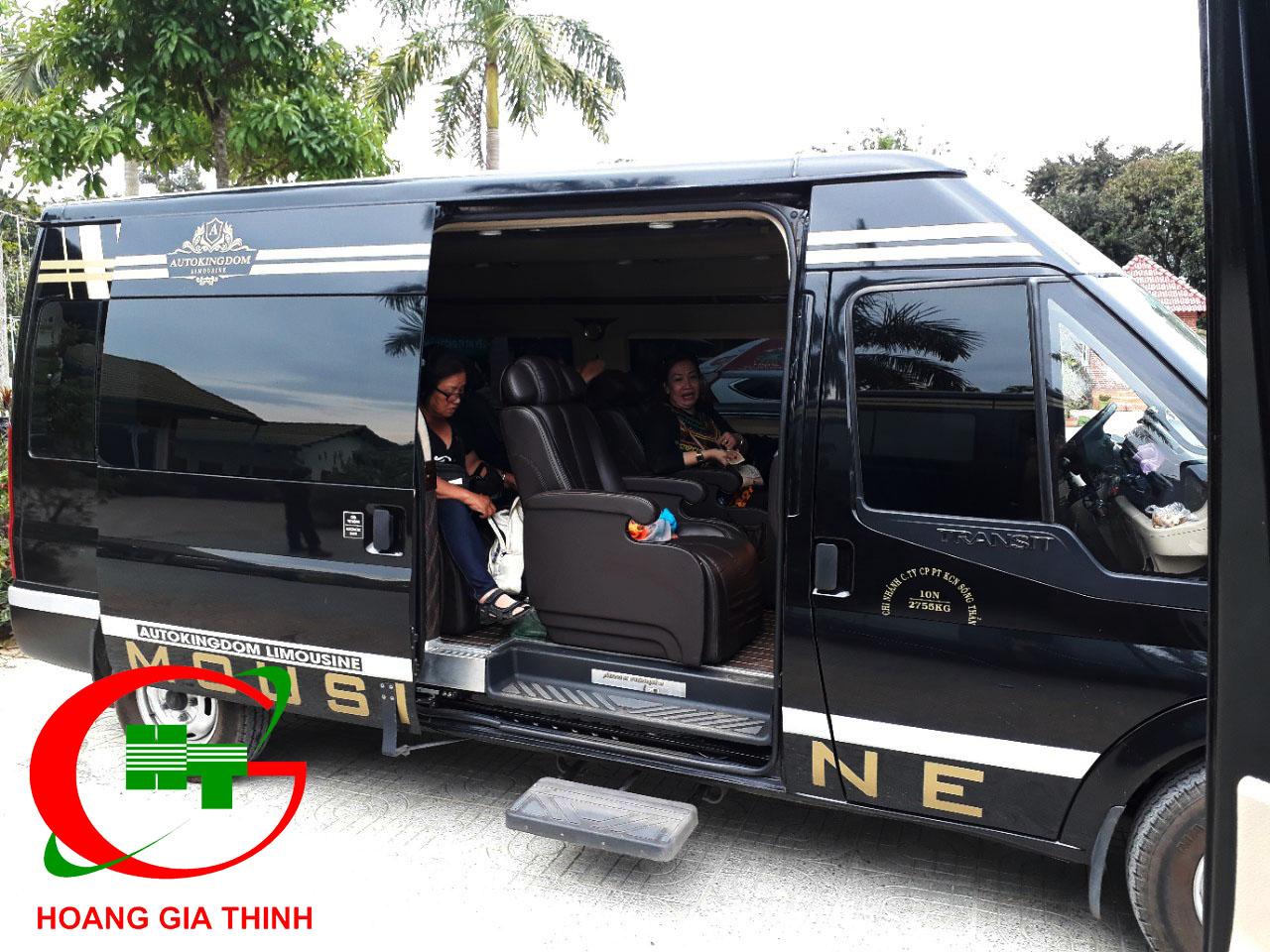 """Thuê Xe Limousine Đang Là Xu Hướng Được """"giới nhà giàu"""" Tại Sài Gòn"""