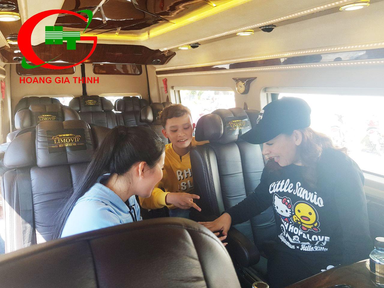 Đồng Hàng Cùng Ca Sĩ Phi Nhung Tour Diễn Bến Tre - Hoàng Gia Thịnh