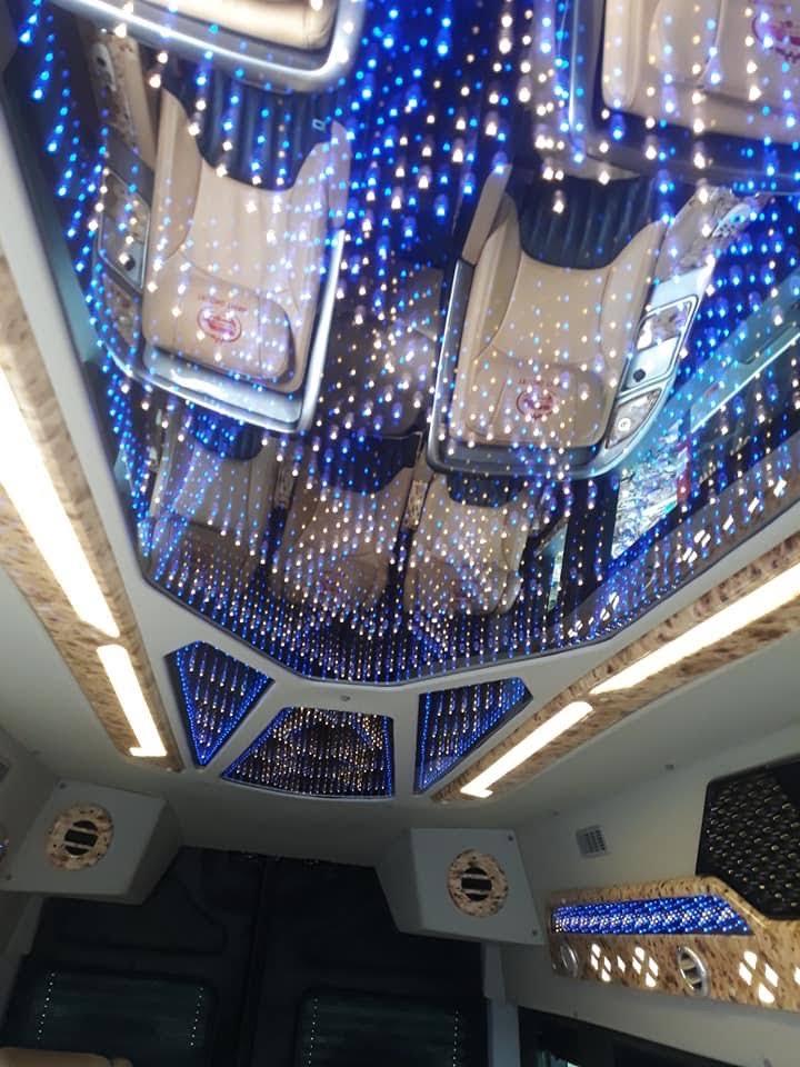 Hoàng Gia Thịnh cho ra mắt xe limousine 9 chỗ Solati đời mới nhất
